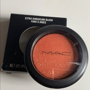 Mac blush in telling glow